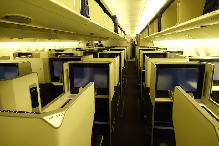 Japan-Airlines-Business-Class-777